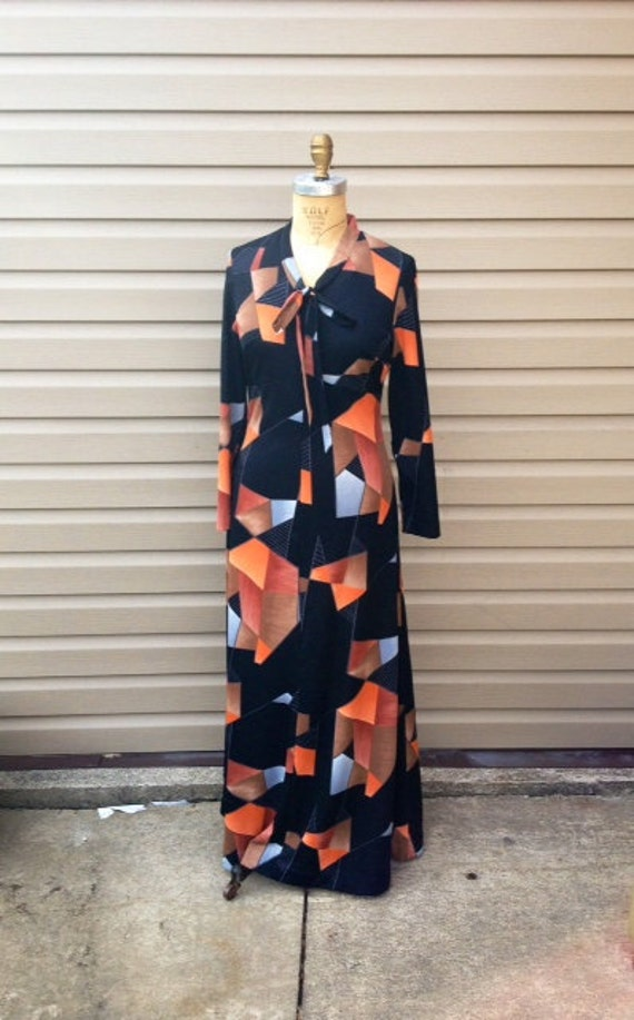 SALE very cool  vintage 70s long sleeve abstract  geometric maxi dress