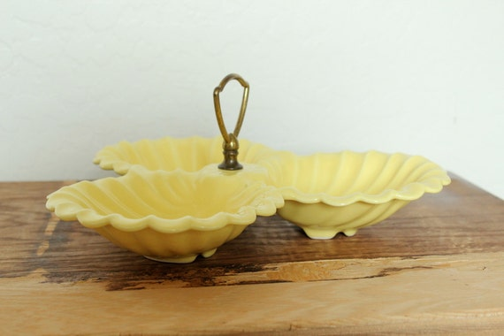 Vintage Yellow Pottery 3 Part Shell Serving Tray