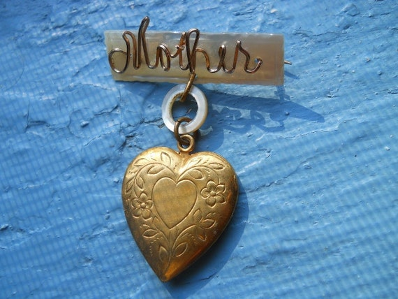 Vintage WWII Mother of Pearl Heart Locket