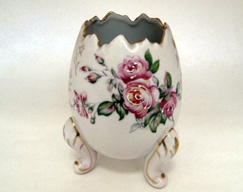 Vintage egg shaped handpainted vase on 3 legs