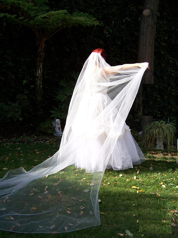Cathedral Wedding Veil, Finished and Unfinished Edges
