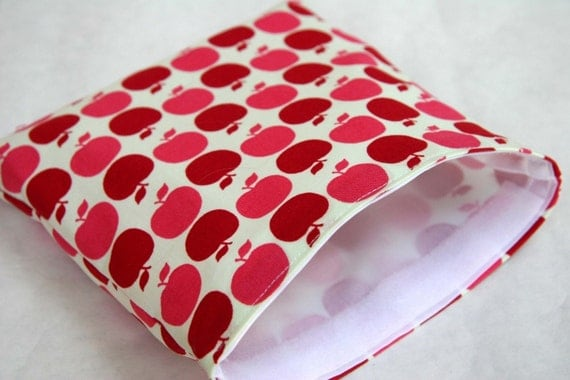 Farmers Market Apple in Pink  Reusable Sandwich Pouch Pretty and Practical