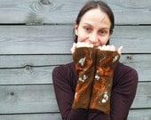 Fingerless gloves Brown wool felted woodland