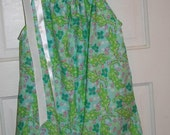 Ladies Pillowcase top made with Lilly Pulitzer Alberta Gator fabric