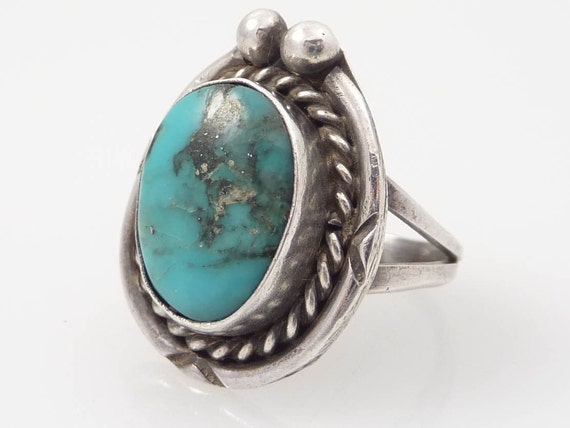 SALE ---- Vintage Sterling and Turquoise Native American SIZE 6.5 RING