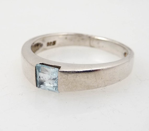 Size 7 Vintage Sterling Aquamarine Pacific Ring
