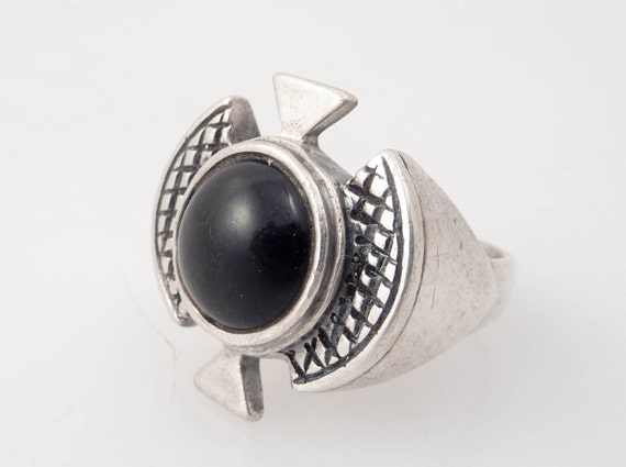 Size 6.75 Vintage Sterling and Onyx Prometheus Ring