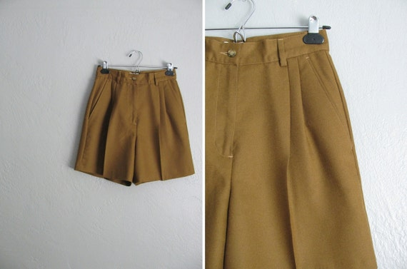 s a l e . vintage wool COFFEE HIGH WAIST shorts. size s.