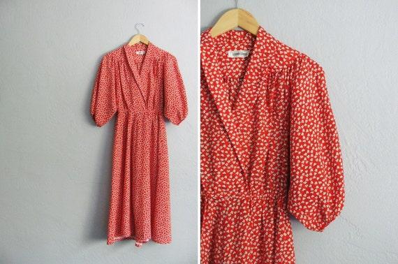 vintage handmade '70s bright RED KIMONO style midi dress with LEAF print. size m.