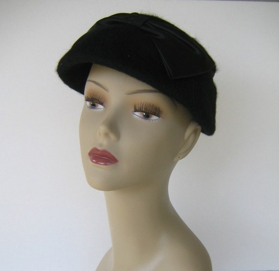Black Bow Vintage Hat