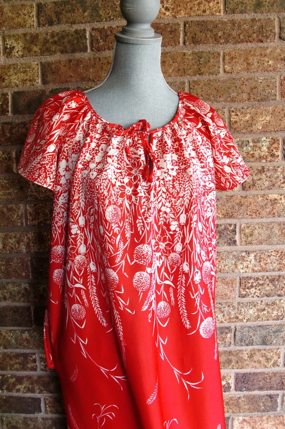 Red floral hippie housedress nightgown