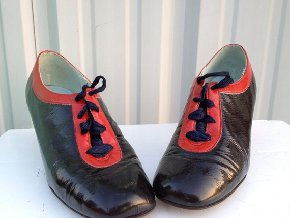 Vintage Lace up oxford patent leather shoes
