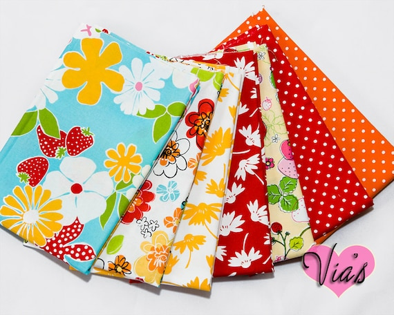 OOP Fresh as a Daisy : Summer Floral Strawberries Bright Quilt Cotton Robert Kaufman 7 FAT QUARTERS Bundle