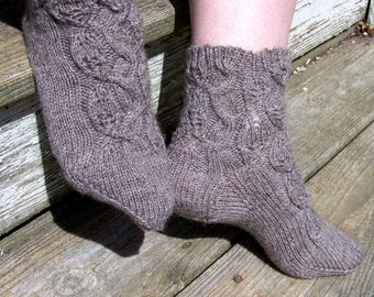 Leafing Around 2 Needle Socks PDF Pattern