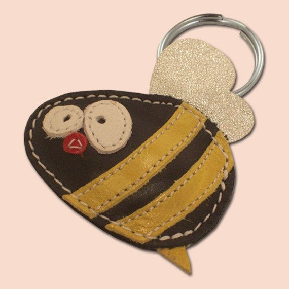 Cute little bee keychain - FREE Shipping