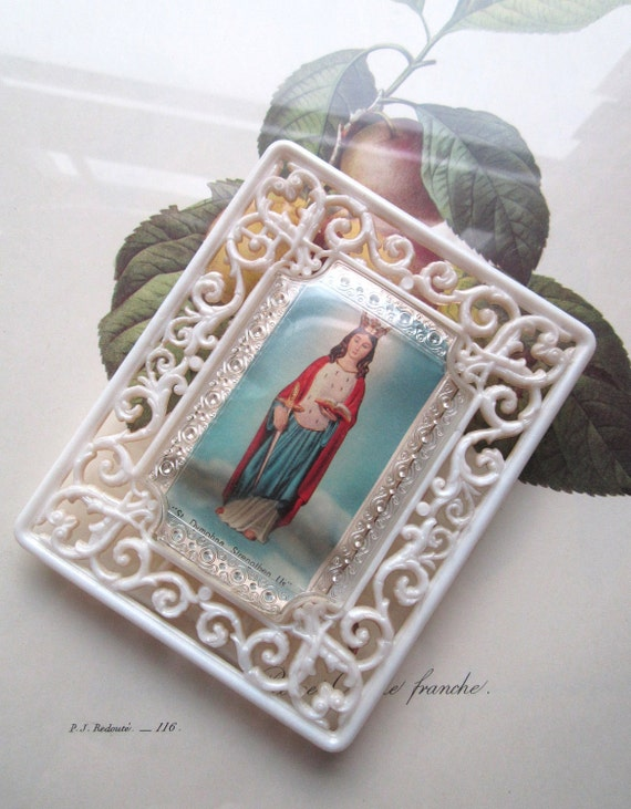 Small Vintage Plastic Bubble Frame