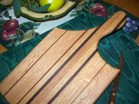 Easy handle cutting board