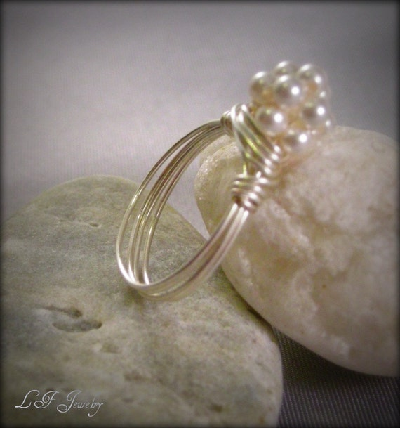 Pearl ball cluster ring