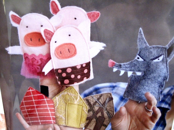 """SALE Pattern for Felt FAIRYTALE """"The 3 Little Pigs"""" Finger Puppets text in English"""