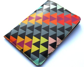 Leather passport case - Geometric Triangles