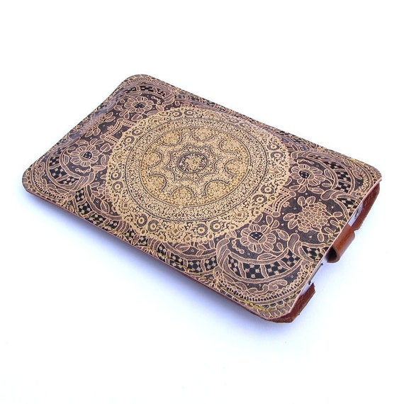 Leather iPhone case - Elegant lace design