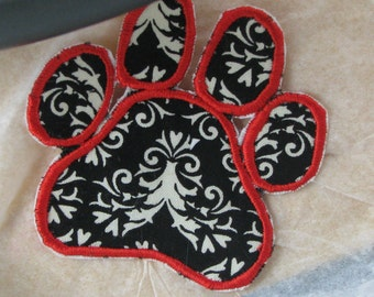 Applique paw print