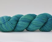 DOLCE MARE, 100% Blue Faced Leicester yarn