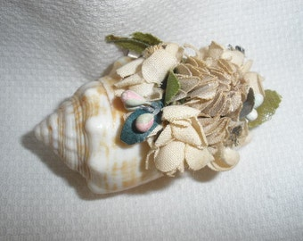 Free Ship Sweet 'VICTORIAN' Vintage, 2 1/2 inch Shell Brooch with 'Fabric' paper Flowers, Wonderful Condition, SO UNIQUE