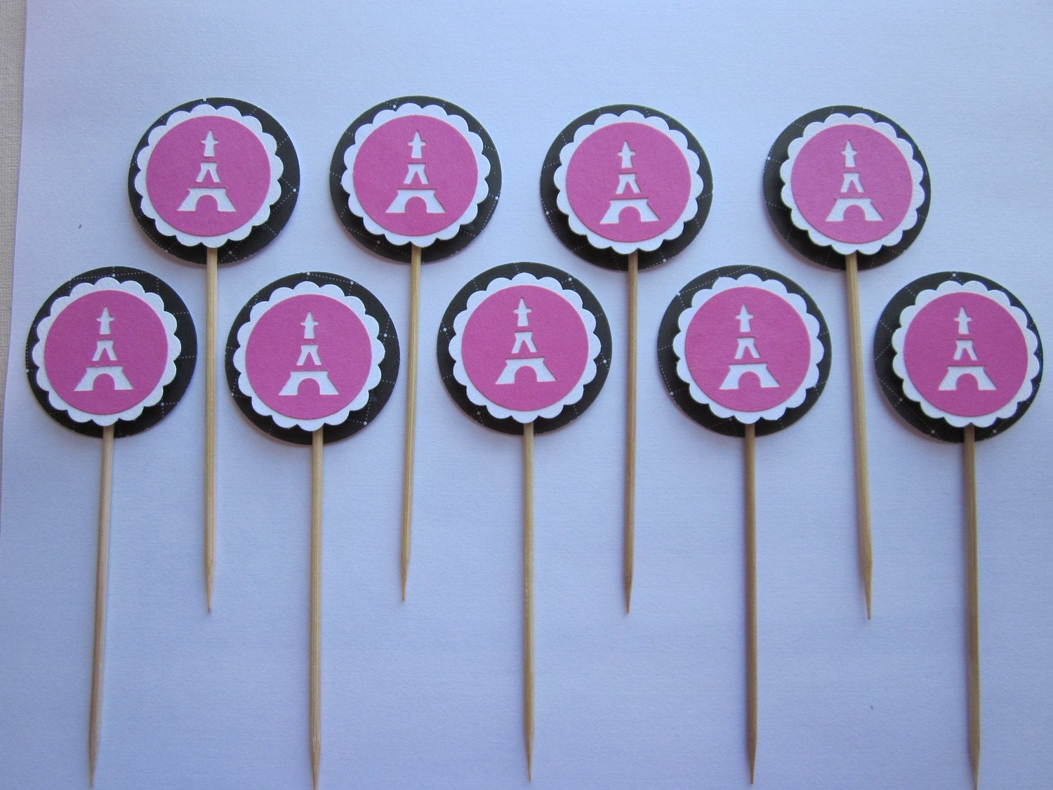 pink and black eiffel tower cupcake toppers
