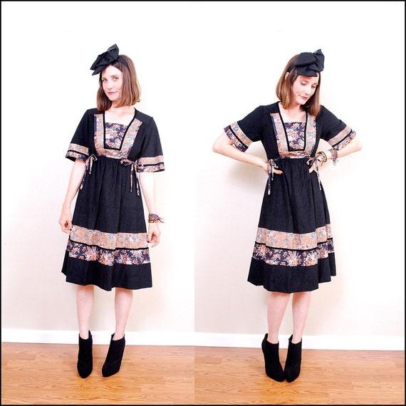 Vintage 70's Dress xs s - black 70's dress, calico print, side ties, empire waist, hippie boho, gunne sax style - FREE Worldwide Shipping