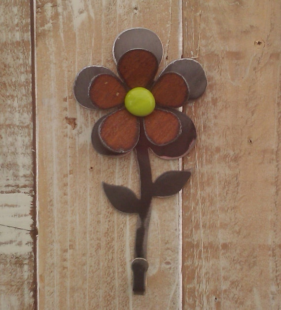 NEW - Metal Glass Flower Hook