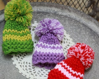 The tiny purple knit hat brooch