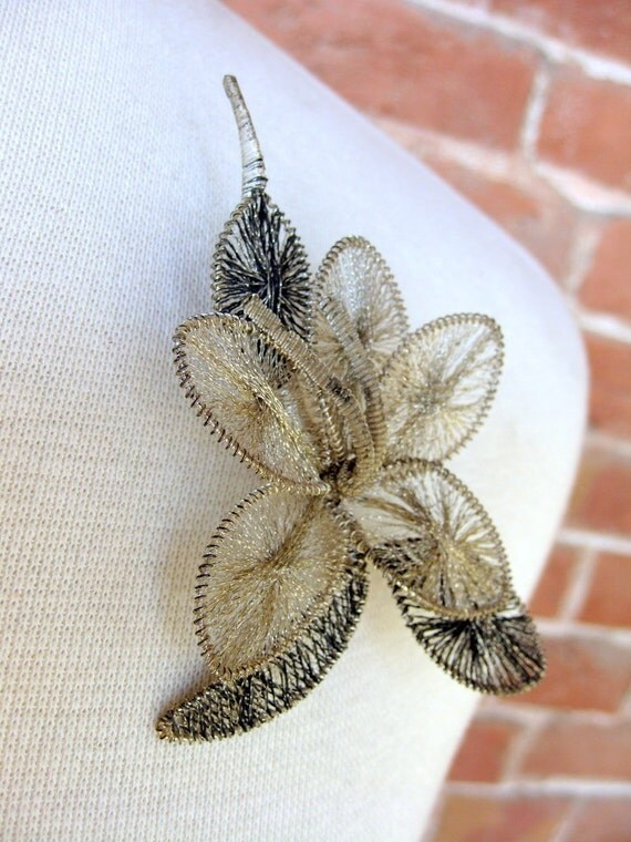 1940s Two Tone Silver Wire Wrapped Flower Pin