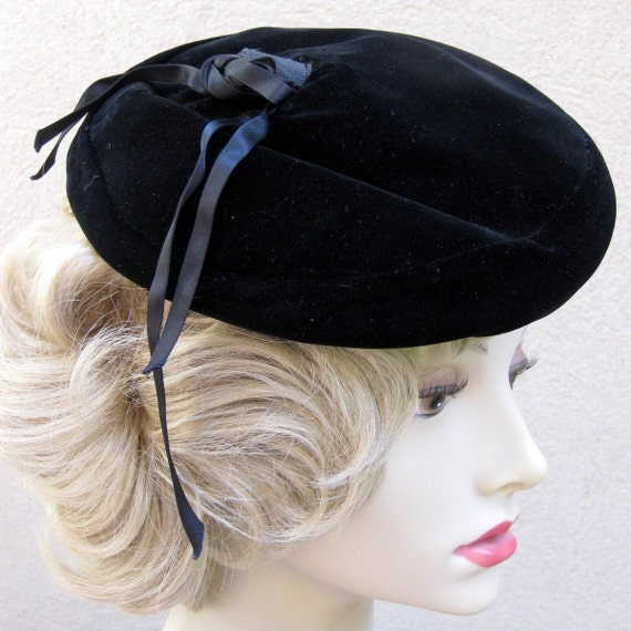 Black Velvet Beret Hat Perfect for French Painter Made by Christine Park Avenue New York