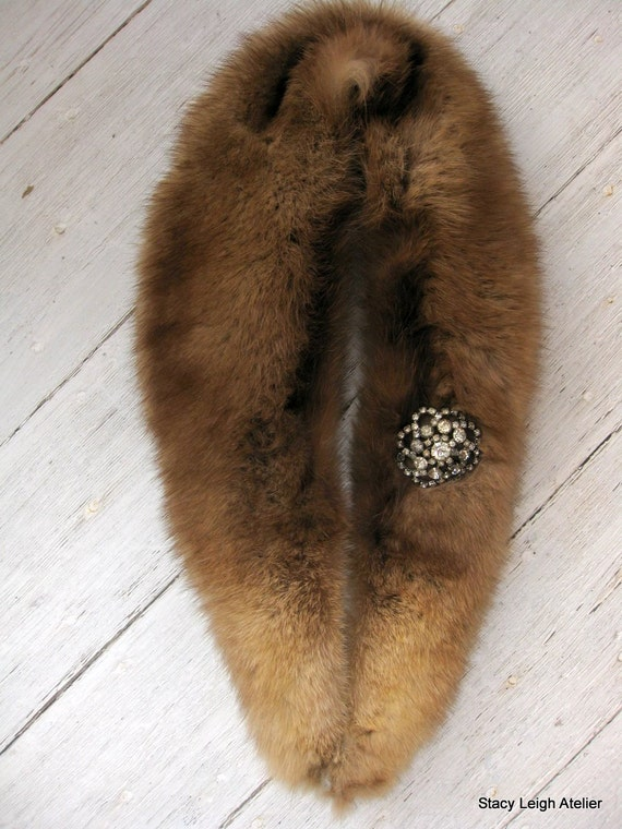Soft Brown Fur Collar with Rhinestone Brooch 1940 1950
