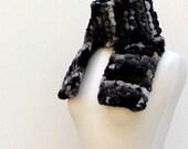 Knit Chunky Scarf..Unisex Bulky Scarf..Black, Cream, Gray