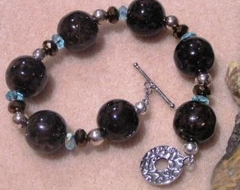Brown Resin, Crystal and Copper Glass Bracelet
