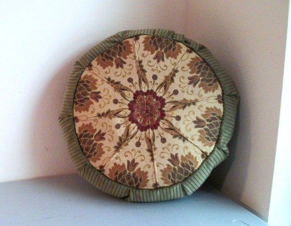 Meditation Cushion Cover in Olive and Tan Pineapple and Star Mandala