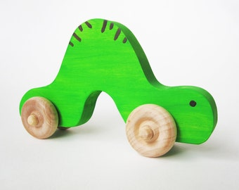 Wooden Inchworm Push Toy Waldorf natural