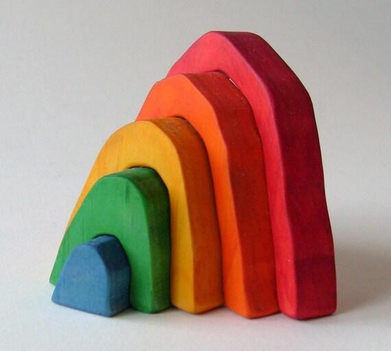 Small rainbow stacker