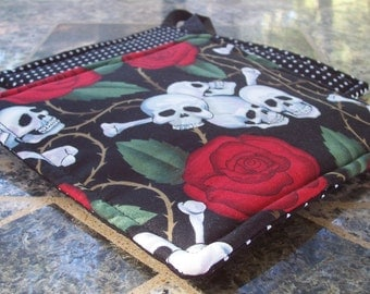 Kitchen Fabric Potholders, Skulls and Roses, Halloween Potholders, Black and White Polka Dots, Red Rose