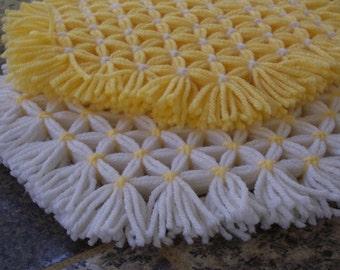 Retro Woven Kitchen Trivet, Yellow and White, Yarn Hot Pad, Yarn Serving Mat, Yarn Trivet, Woven Mat, Yellow Hot Pad, Hexagon Trivet, Set