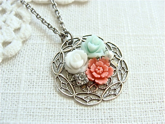 Antique Silver Flower Cluster Necklace.