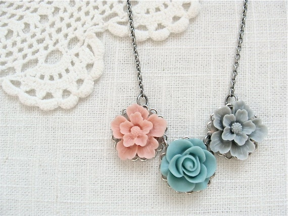 Flower garden necklace.