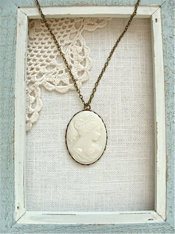 Vintage glass cameo pendant necklace.  Antique brass chain, long style.