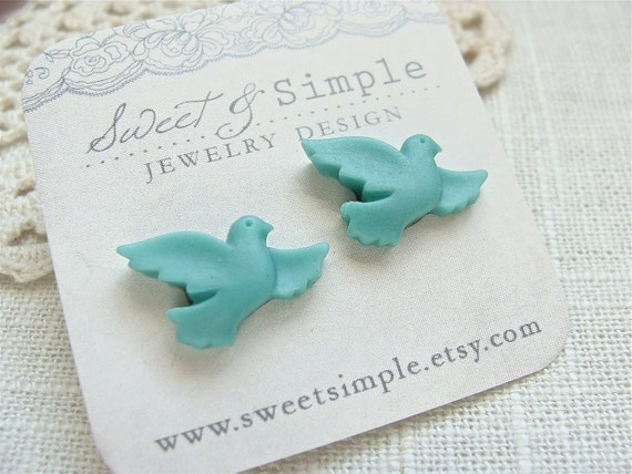 Turquoise Bird Post Earrings. Perfect for weddings and bridesmaids.  Jewelry By Sweet And Simple.