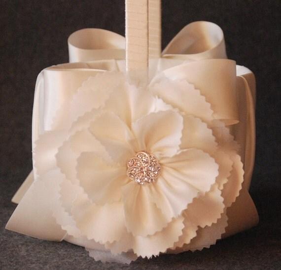 Flower Girl Basket Montreal : Items similar to flower girl basket ivory