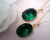 EMERALD CITY Vintage Glass Jewel Earrings... Estate Style Luxe