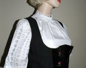 Sale German white Eyelet  DIRNDL Blouse with a Charming Collar embellishment in PRISTINE Condition size L to XL
