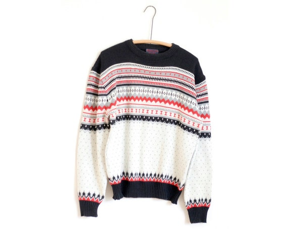 SALE Fair Isle Red White Black Nordic Pattern Sweater 70s Soft Knit M L Vintage